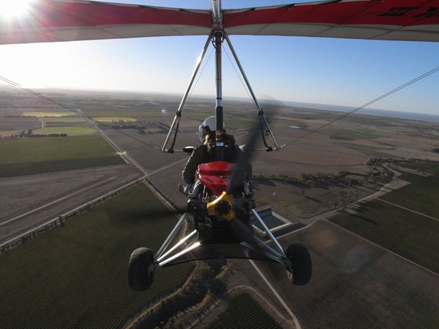 Larry and Lyz flying around Lake Alexandrina and Strathalbyn