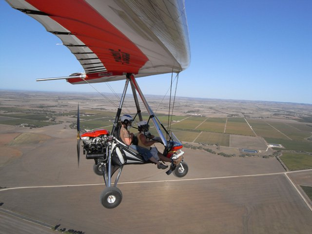 Larry and Judy flying around Lake Alexandrina and Strathalbyn